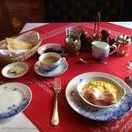 朝食の一例。 この他にモーニングサラダかグレープとジュースが付きます。 パンも選べます。