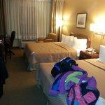 Chambre avec 2 lits Queen