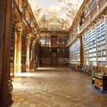 bibliotheque  abbey de stravo