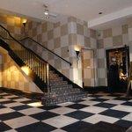 Hall y acceso a la Brasserie