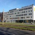 Ein Gebäude, zwei Hotels, premiere classe und campanille