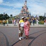 Paris! Disneyland!