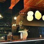 le bar, et la hache