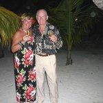Anniversaire de mariage : repas au champagne sur la plage