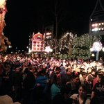 Disneyland crowds at christmas