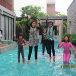 Childrenn love its pool..