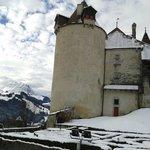 Castelo com os Alpes como fundo!