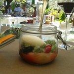 Dessert aux fruits rouges et menthe glacée