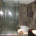 The Boscolo Budapest Superior Room 7th Floor - Bathroom View