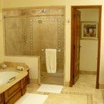 Baño con suelo calefactado