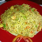 fried noodles & prawns
