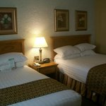 Drury Inn & Suites Hotel Room Beds