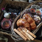Breakfast picnic basket