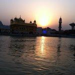 Soloppgang på Golden templet