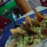 Nachos com guacamole!