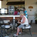 Vores lille kaffebar (baren)