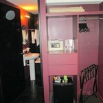 placard, cja fuerte y puerta al baño