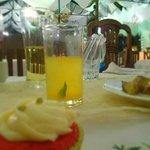 Dalandan juice with mint & a cupcake