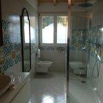 Modern, exceptional bathroom