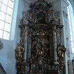 uno de los altares laterales