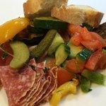 Leckere Salate und Antipasti