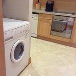 machine a laver dans la cuisine
