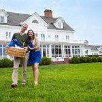 Picnic for Two at the Inn at Warner Hall