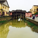 visit the ancient town of Hoi An
