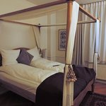nice four-poster bed