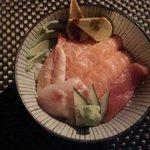 Cirashi (riso del sushi + sashimi)
