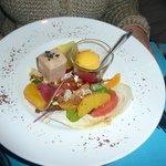Entrée à base de foie gras et d'agrumes