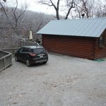 Parking beside cabin-very private