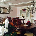 Formal dining room (not the Vine)