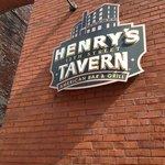 Henry's Tavern sign, Portland OR