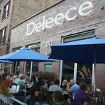 Alfresco Dining in Lakeview (Wrigleyville)