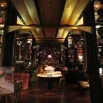 Lounge (night)