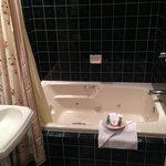 Whirlpool Bath in the Wisteria Room