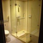 シャワーブース、トイレ