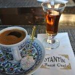 """Café turc et """"pousse"""" offert"""