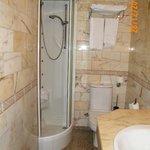 En nuestro apartamento teniamos ducha de hidromasaje.