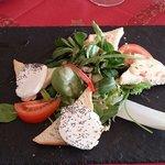 Salade de chèvre et munster chaud