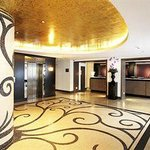 Beautifully apointed foyer