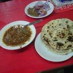 Matar-Paneer with Tandoori rotis