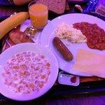 El desayuno bueno . Ponen lo mismo todo los días