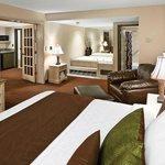 Whirlpool Suite Bedroom