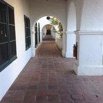 Courtyard passageway
