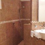 Gibbston Suite bathroom