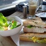 Fresh&Wraps Restobar照片