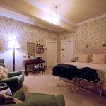 Room 4, bedroom