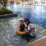 swimming pool bawah